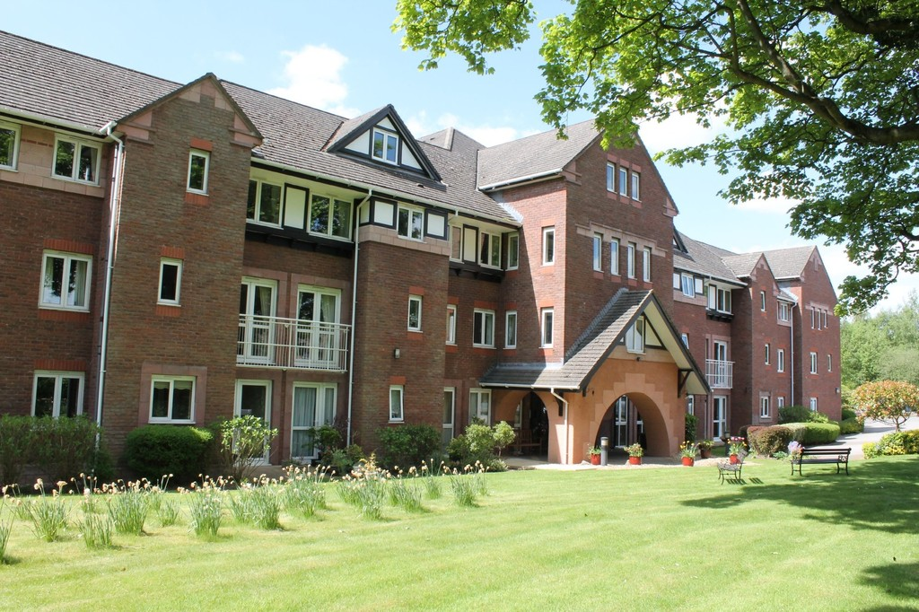 2 Bedrooms Apartment Flat for sale in Macclesfield Road, Wilmslow SK9