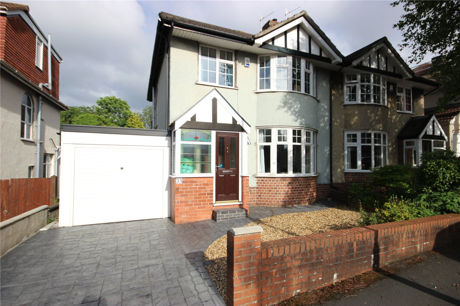 3 Bedrooms Semi Detached House for sale in Kenmore Crescent Filton Park Bristol BS7