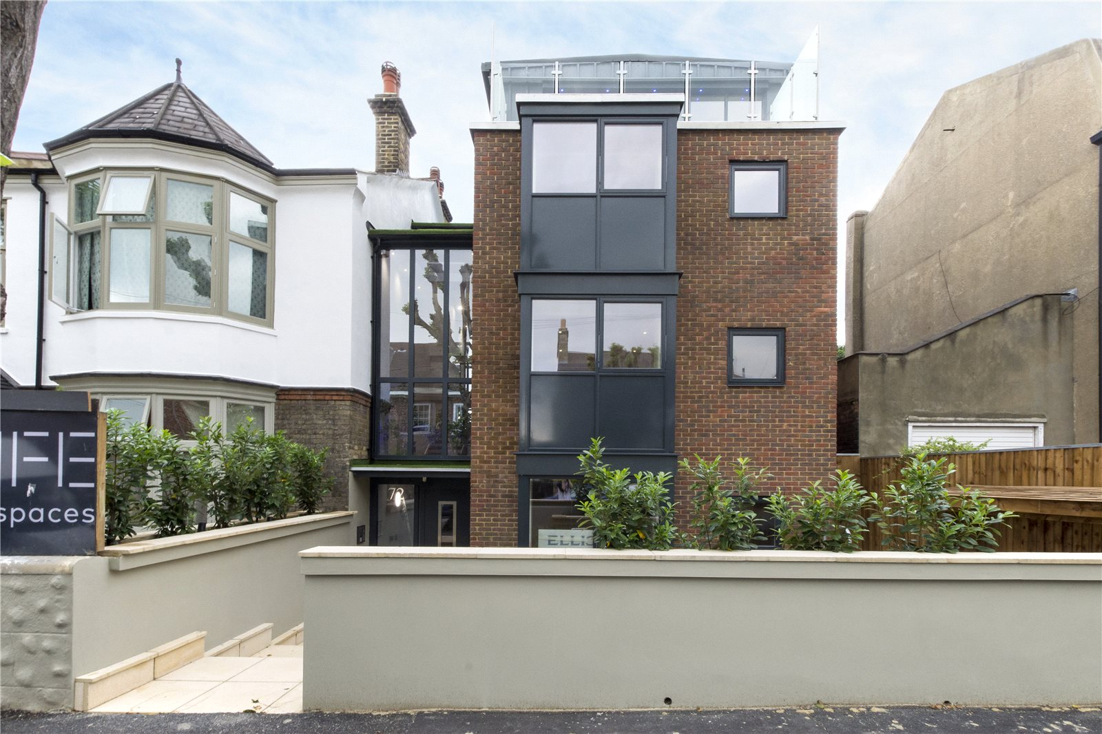 2 Bedrooms Flat for sale in Grosvenor Park Road Walthamstow E17