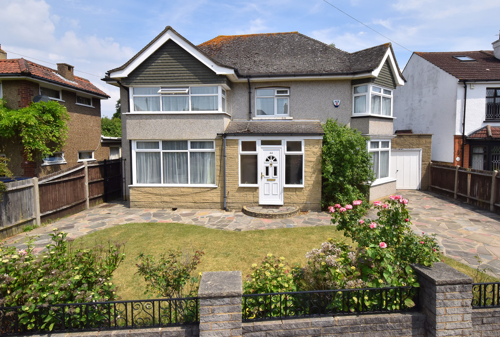 4 Bedrooms Detached House for sale in St. Johns Road Petts Wood BR5