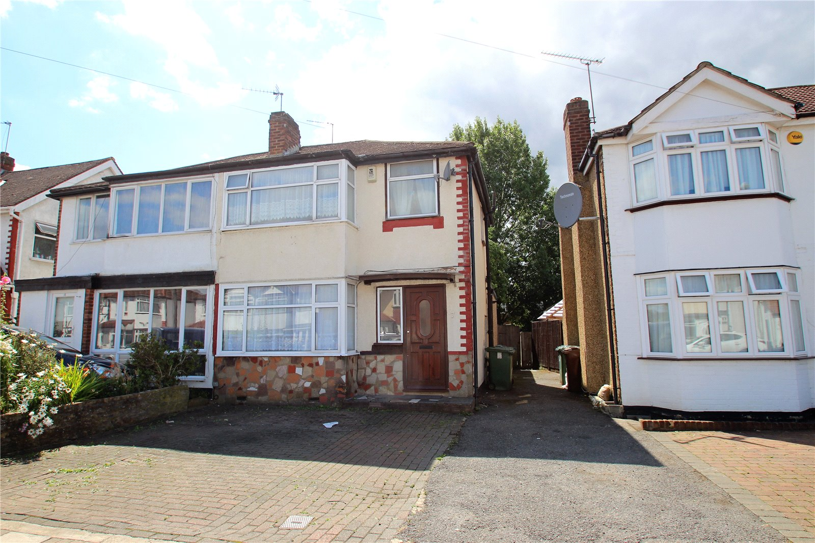 4 Bedrooms Semi Detached House for sale in Aldridge Avenue Stanmore Middlesex HA7