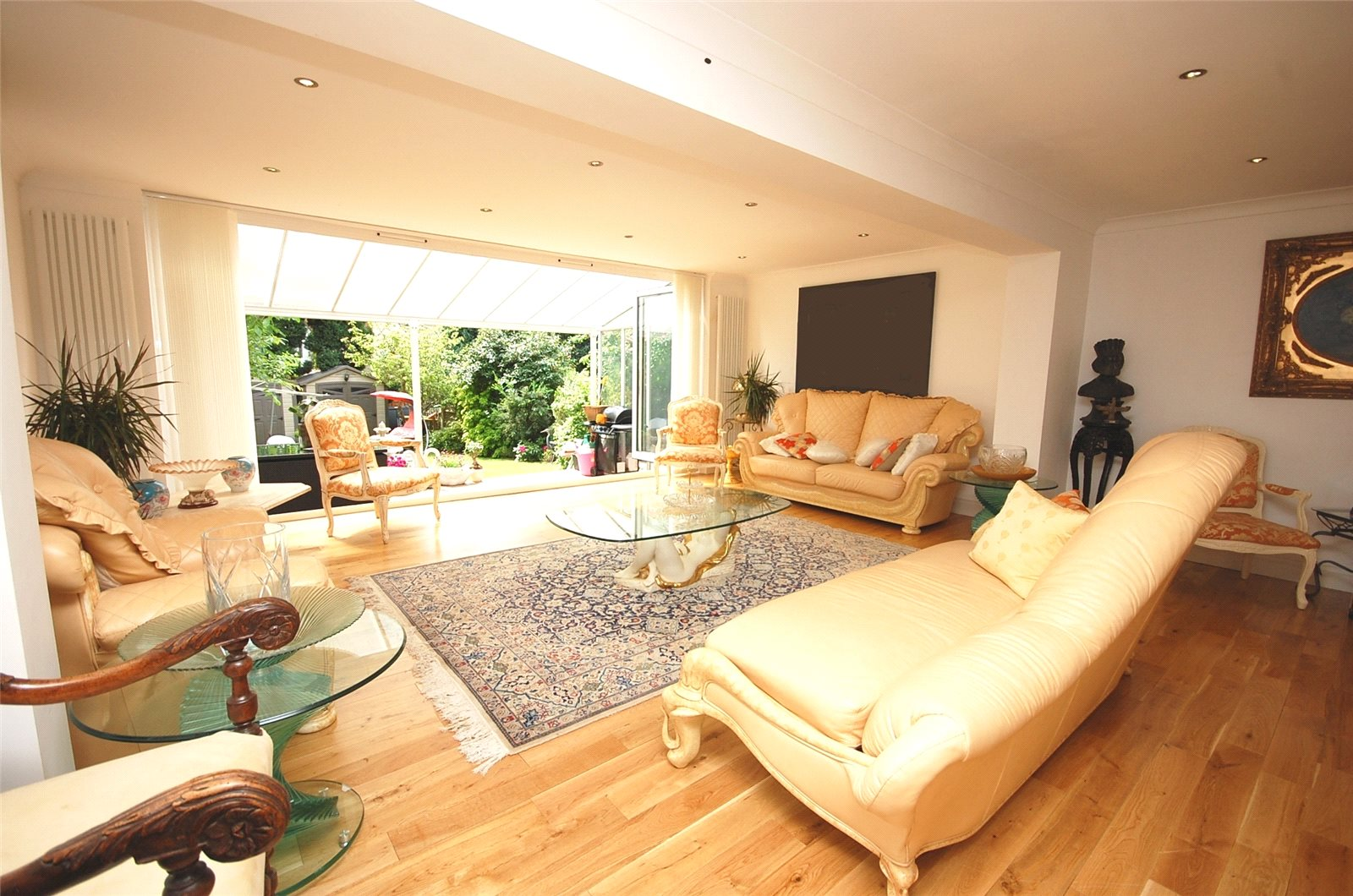 5 Bedrooms Semi Detached House for sale in St Marys Avenue Finchley London N3