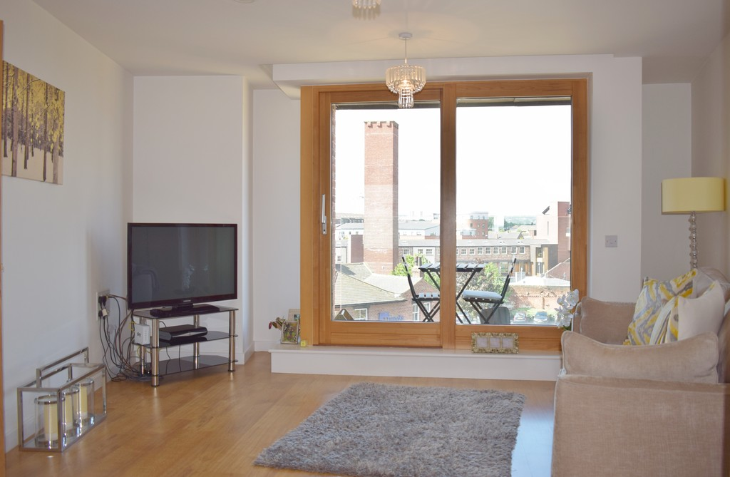 2 Bedrooms Apartment Flat for sale in Candle House, Granary Wharf LS1