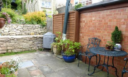 Bourneville Terrace Cotswold Close Bourne GL5 Image 14