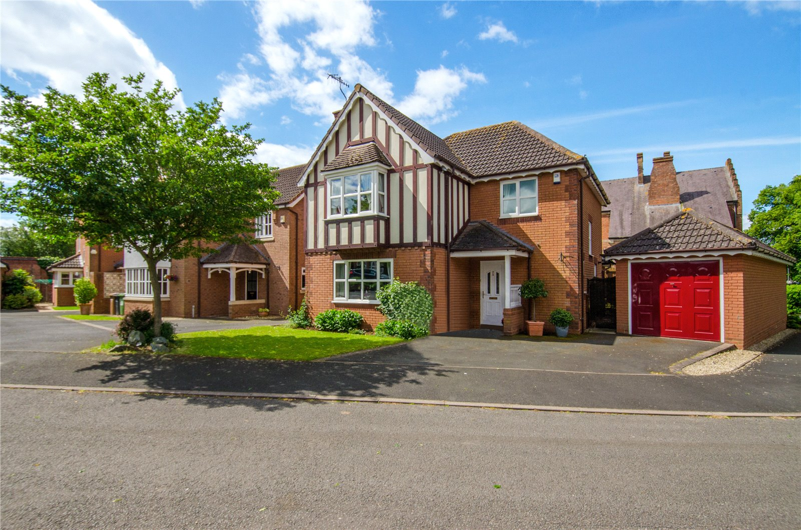 4 Bedrooms Detached House for sale in Vimiera Close Worcester WR5
