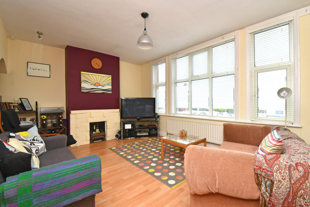 2 Bedrooms Flat for sale in Croydon Road, Beckenham BR3