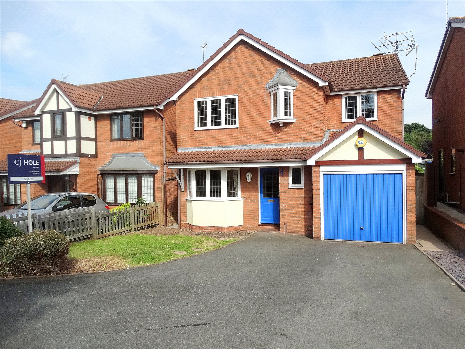 4 Bedrooms Detached House for sale in Suffolk Drive Worcester WR3