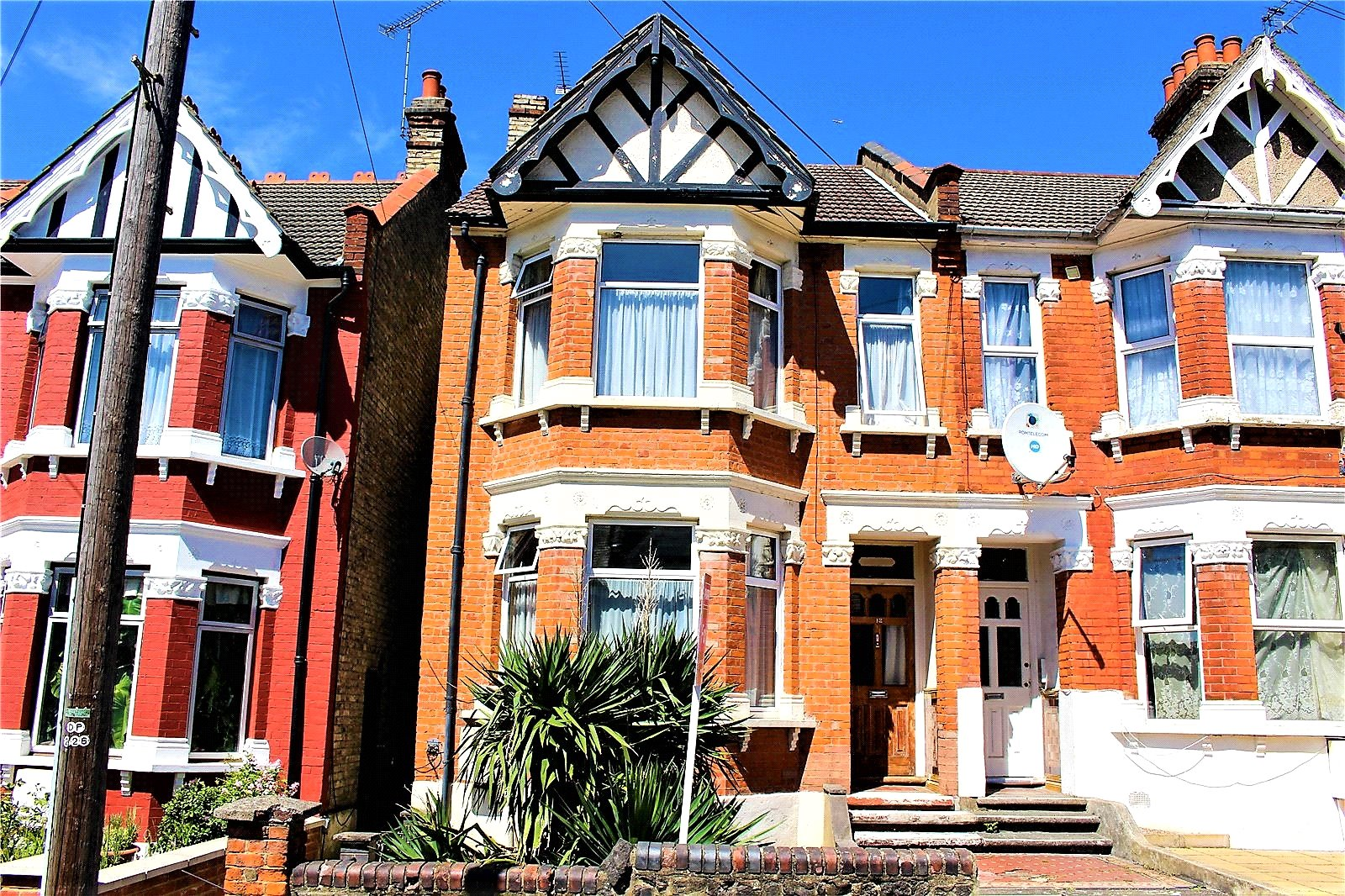 3 Bedrooms Terraced House for sale in Bosworth Road Bounds Green London N11