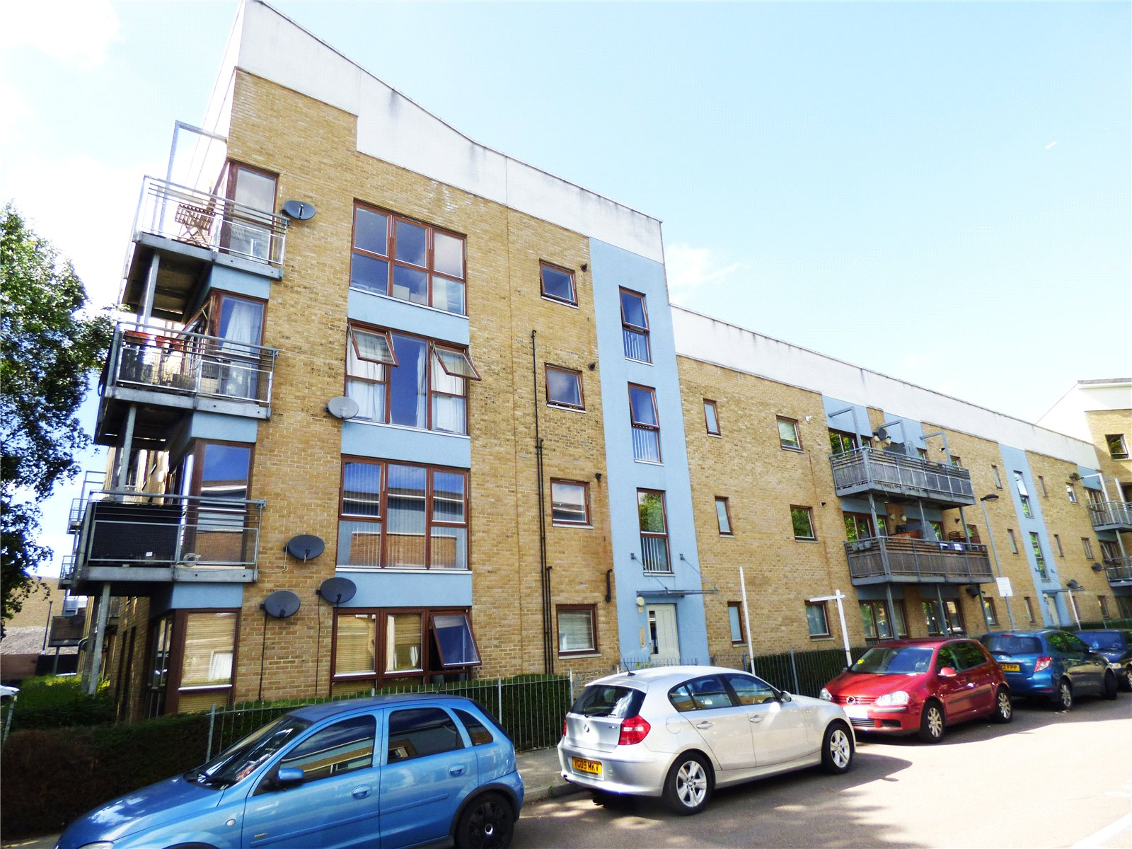 2 Bedrooms Flat for sale in Brabazon Street Poplar E14