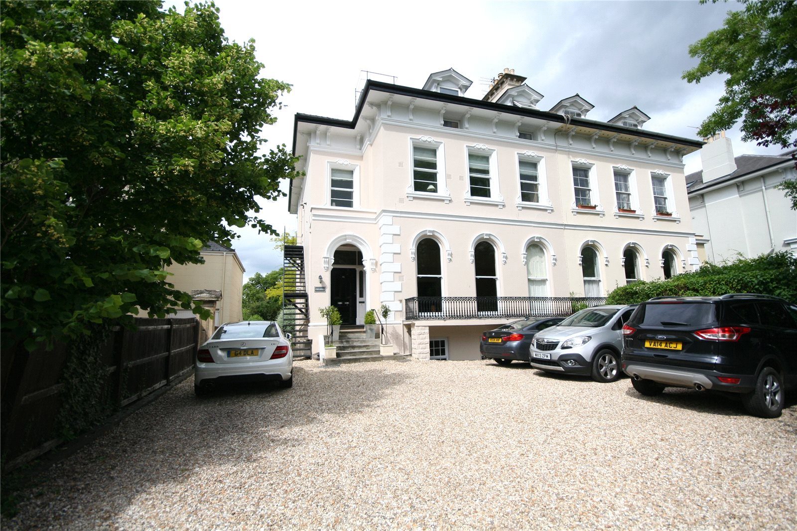 1 Bedroom Flat for sale in Chelholm 46 Lansdown Road Cheltenham GL51
