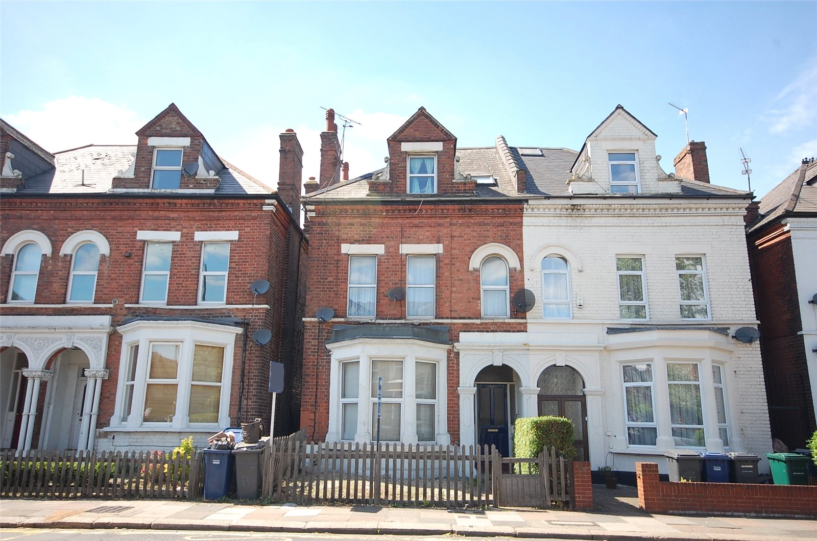 1 Bedroom Flat for sale in Ballards Lane Finchley London N3