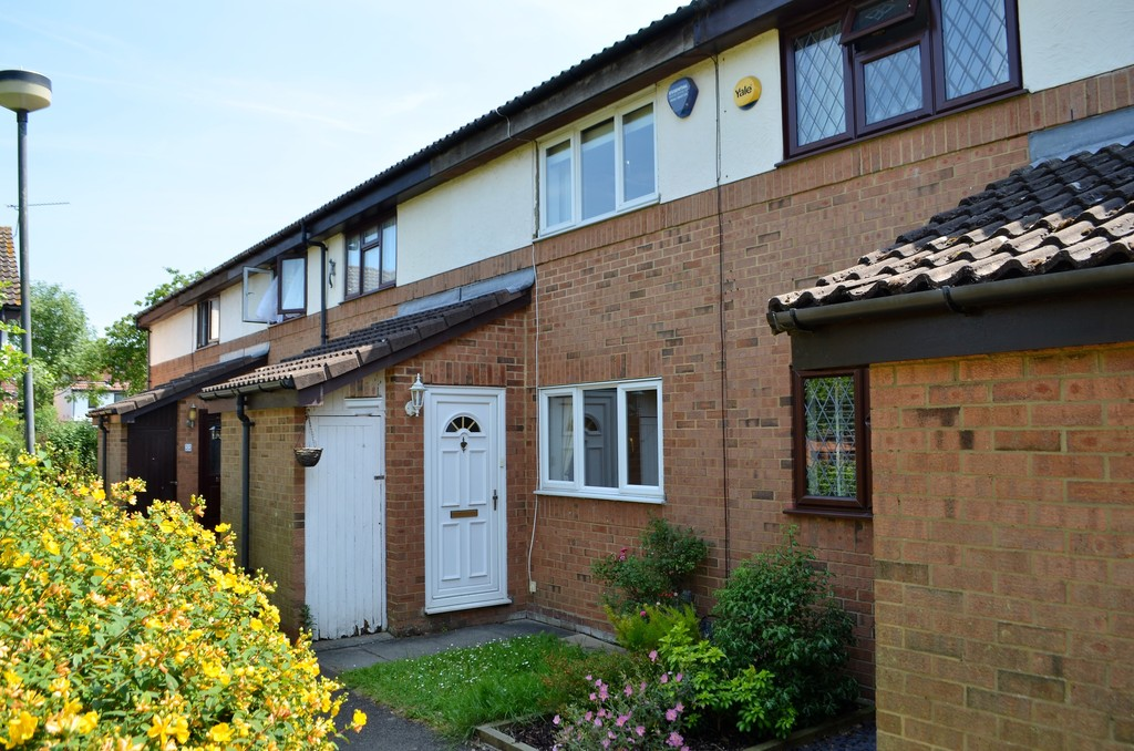 2 Bedrooms Terraced House for sale in Savoy Wood, Harlow CM19