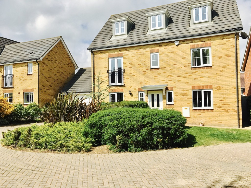 5 Bedrooms Detached House for sale in Hawkinge, Folkestone, Kent, CT CT18