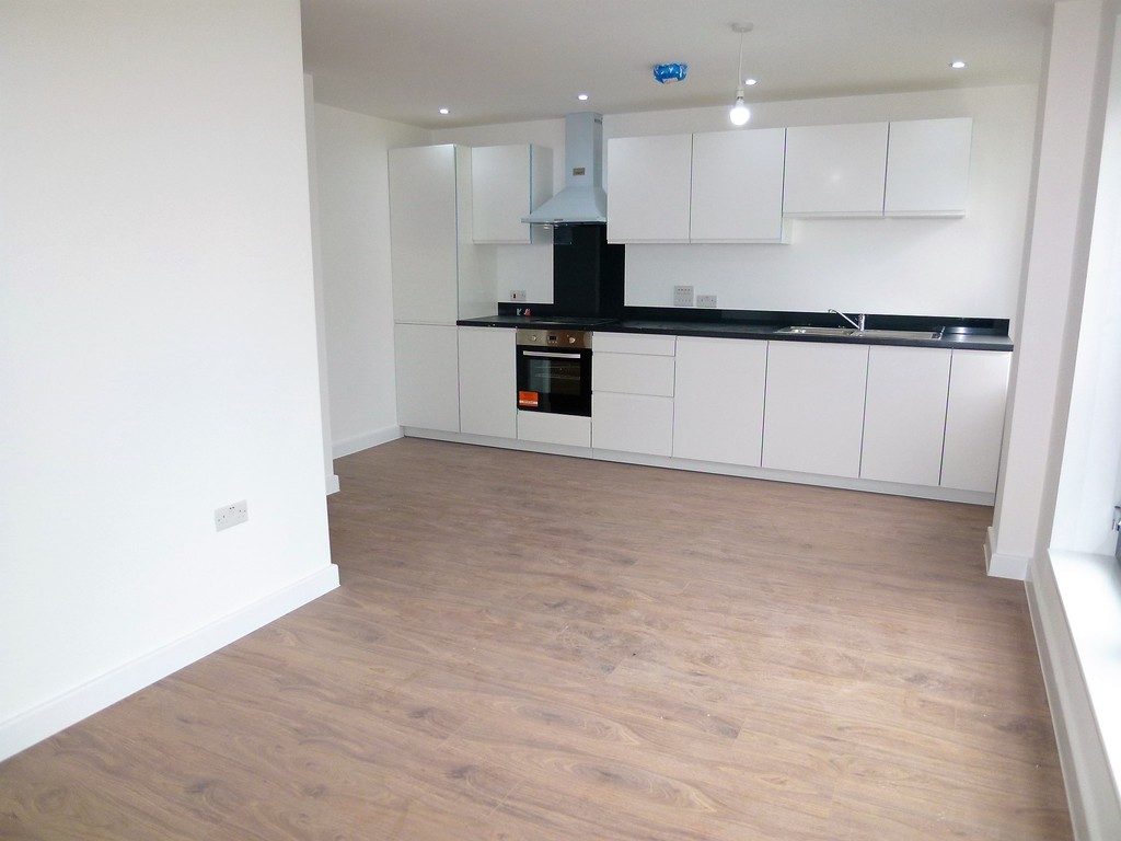 2 Bedrooms Apartment Flat for sale in Brand New Apartments - Wote Street RG21