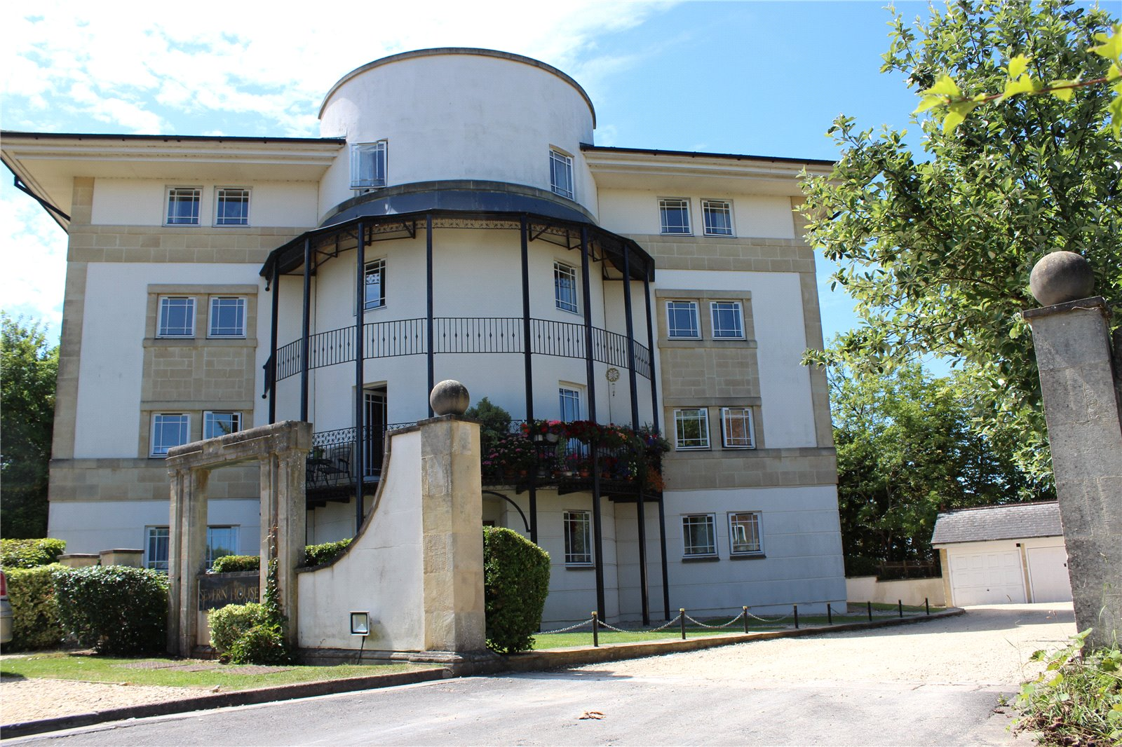 2 Bedrooms Flat for sale in Severn House Ison Hill Road Bristol BS10