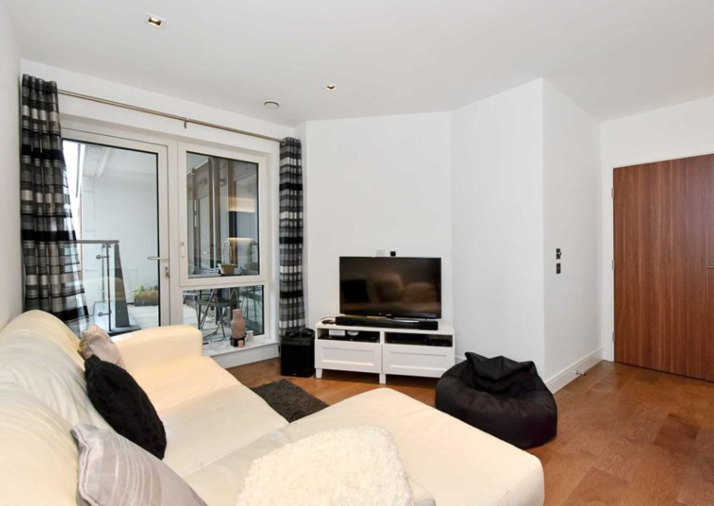 2 Bedrooms Apartment Flat for sale in Belgravia House, Dickens Yard W5