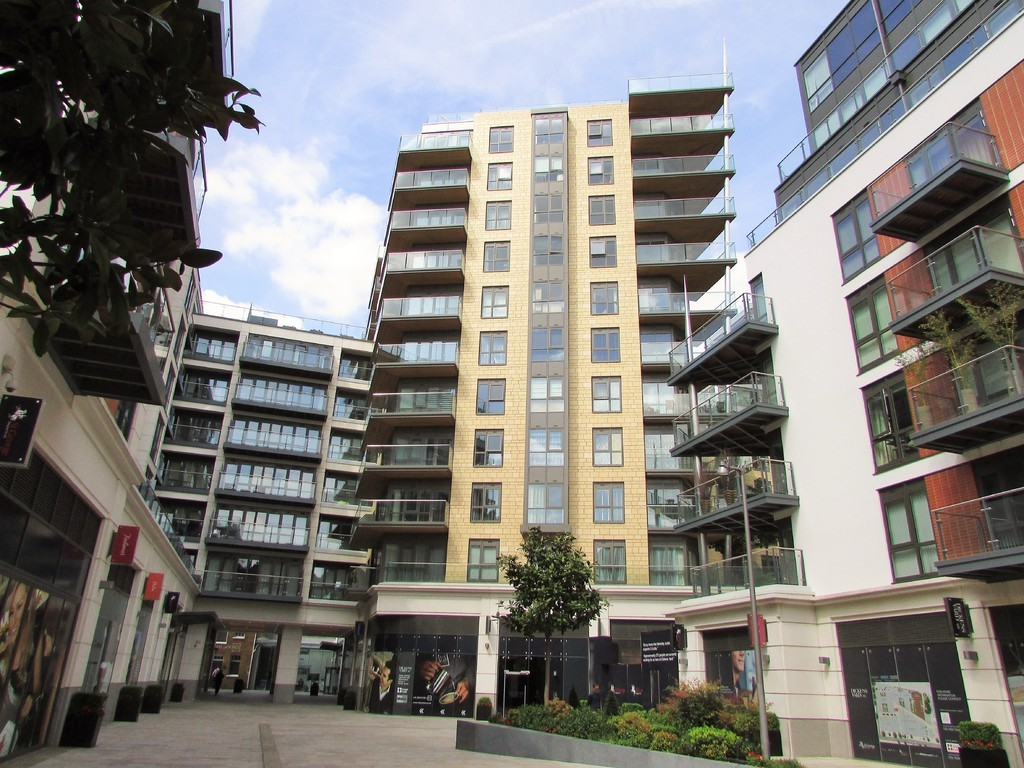 3 Bedrooms Apartment Flat for sale in Vista House, Dickens Yard W5