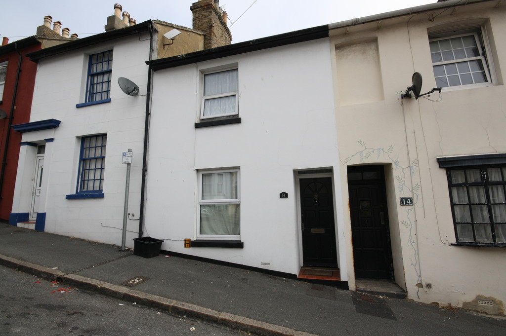 2 Bedrooms Terraced House for sale in Folkestone East CT20