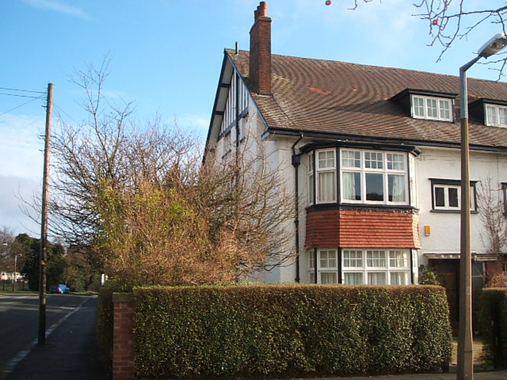 2 Bedrooms Apartment Flat for sale in Thornfield Road, West Park, Leeds LS16