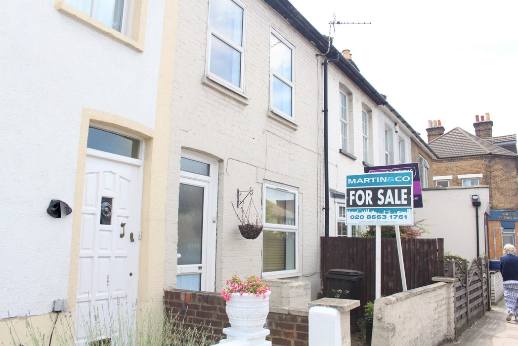 2 Bedrooms Terraced House for sale in Croydon Road, Beckenham BR3