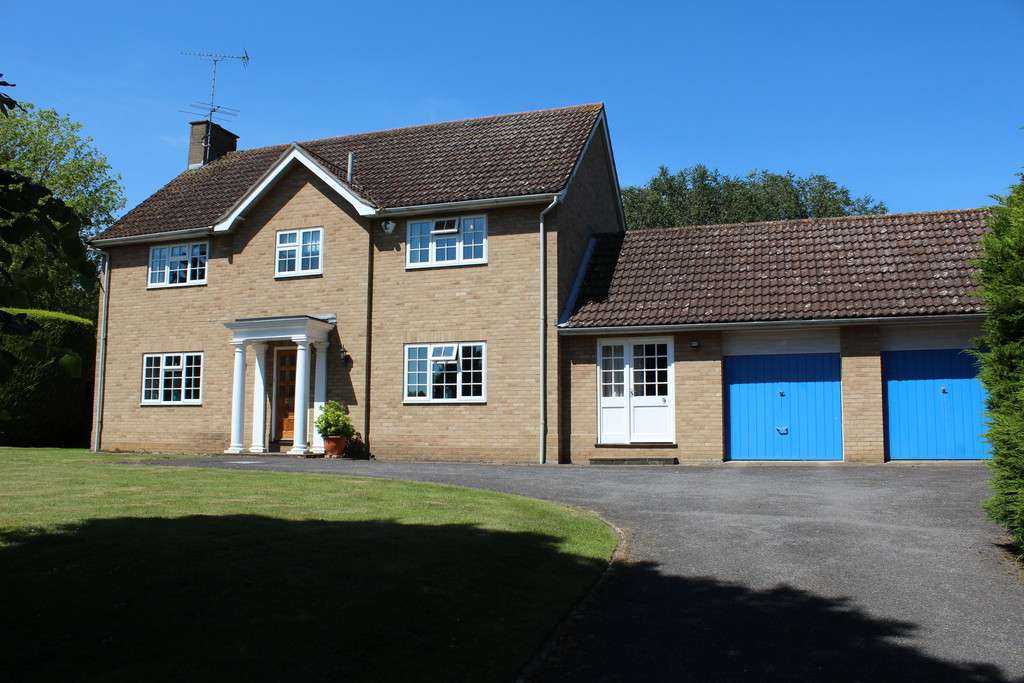 4 Bedrooms Detached House for sale in Bury St Edmunds IP33