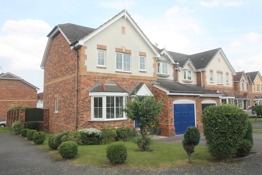 4 Bedrooms Detached House for sale in Woodfield Plantation, Doncaster DN4