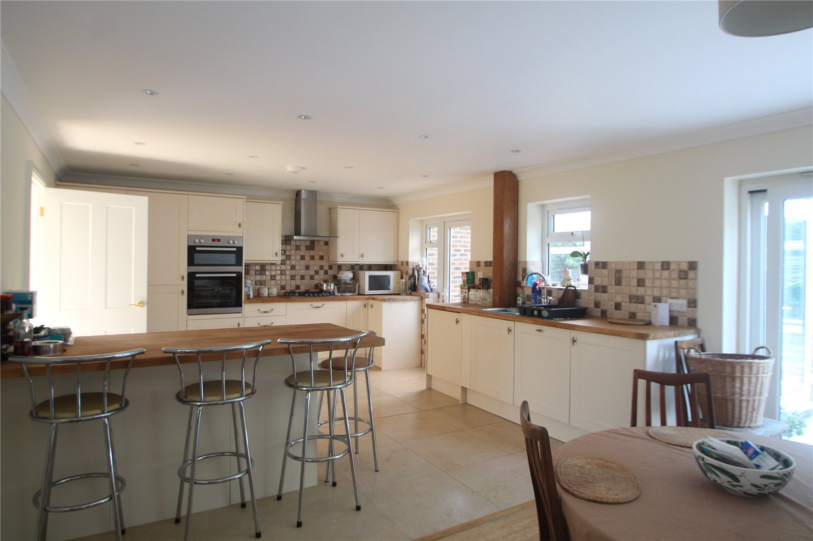 3 Bedrooms Detached House for sale in Romney Way Tonbridge Kent TN10