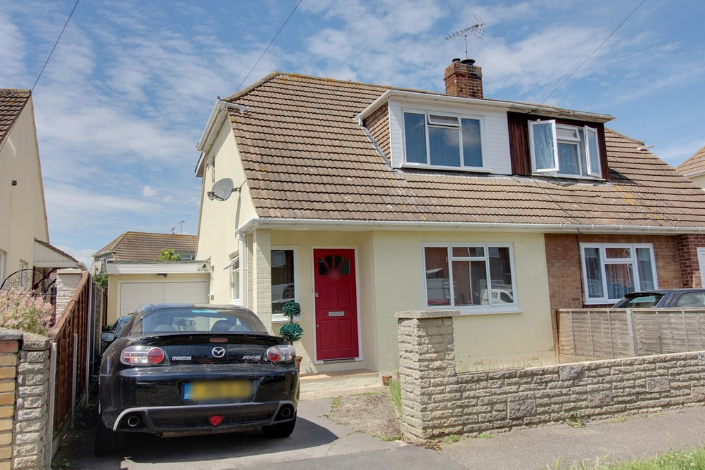 3 Bedrooms Property for sale in Leigh Beck Lane, Canvey Island SS8