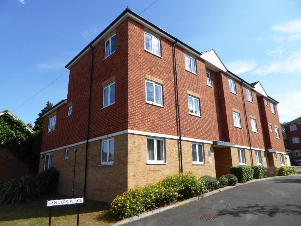 2 Bedrooms Flat for sale in Sanders Place, St Albans AL1
