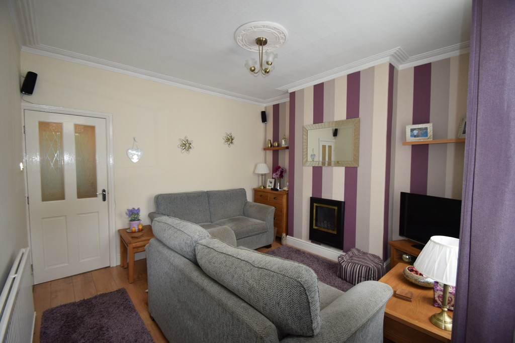 4 Bedrooms Terraced House for sale in Clifton Place, Shipley BD18