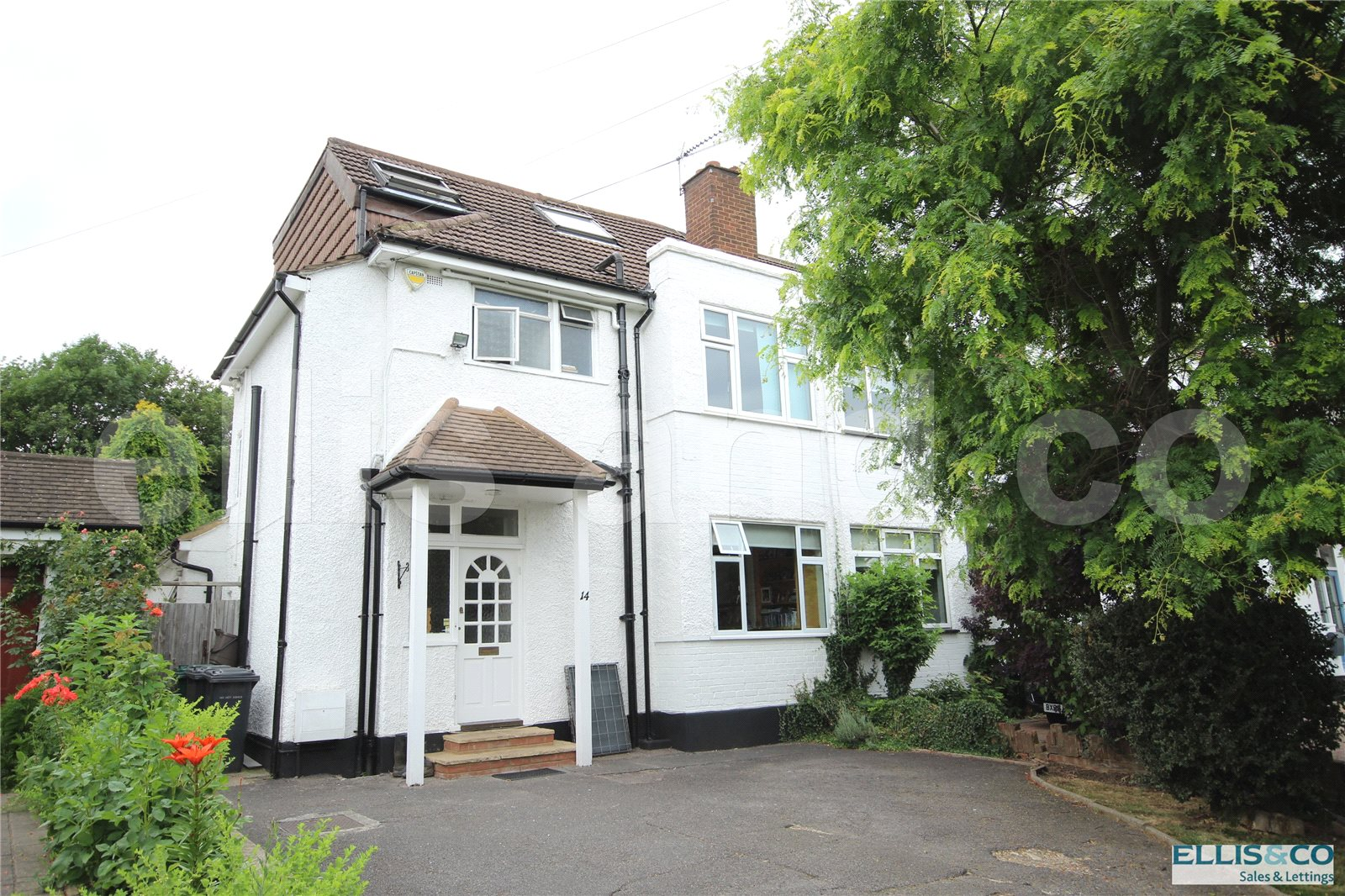 4 Bedrooms Semi Detached House for sale in Wise Lane Mill Hill London NW7