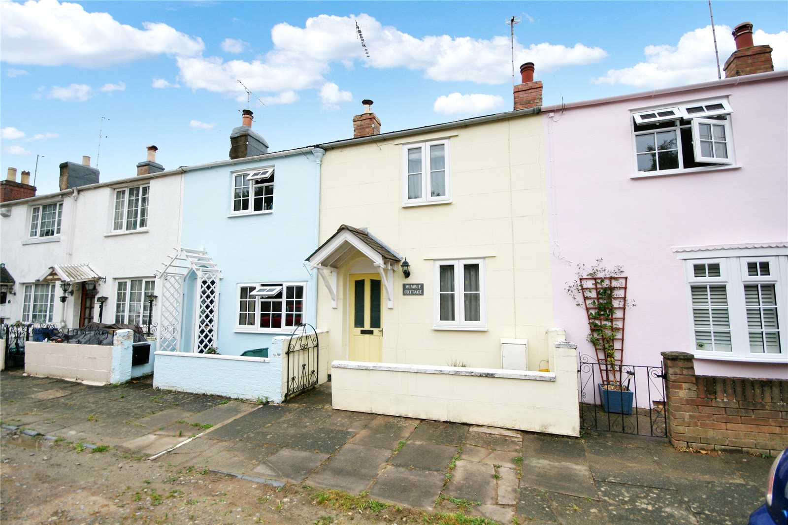 2 Bedrooms Property for sale in Clare Place Leckhampton Cheltenham GL53