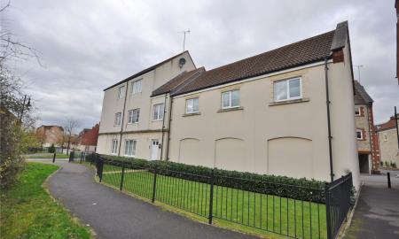 Jagoda Court Haydon End Swindon SN25 Image 3