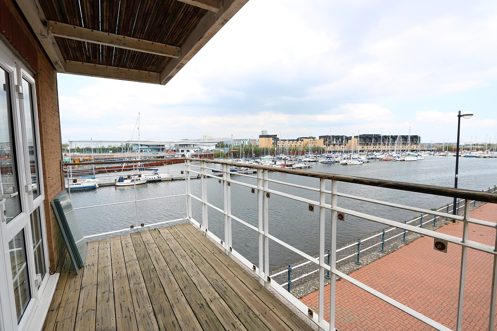 4 Bedrooms Property for sale in Pierhead View, Penarth Marina CF64