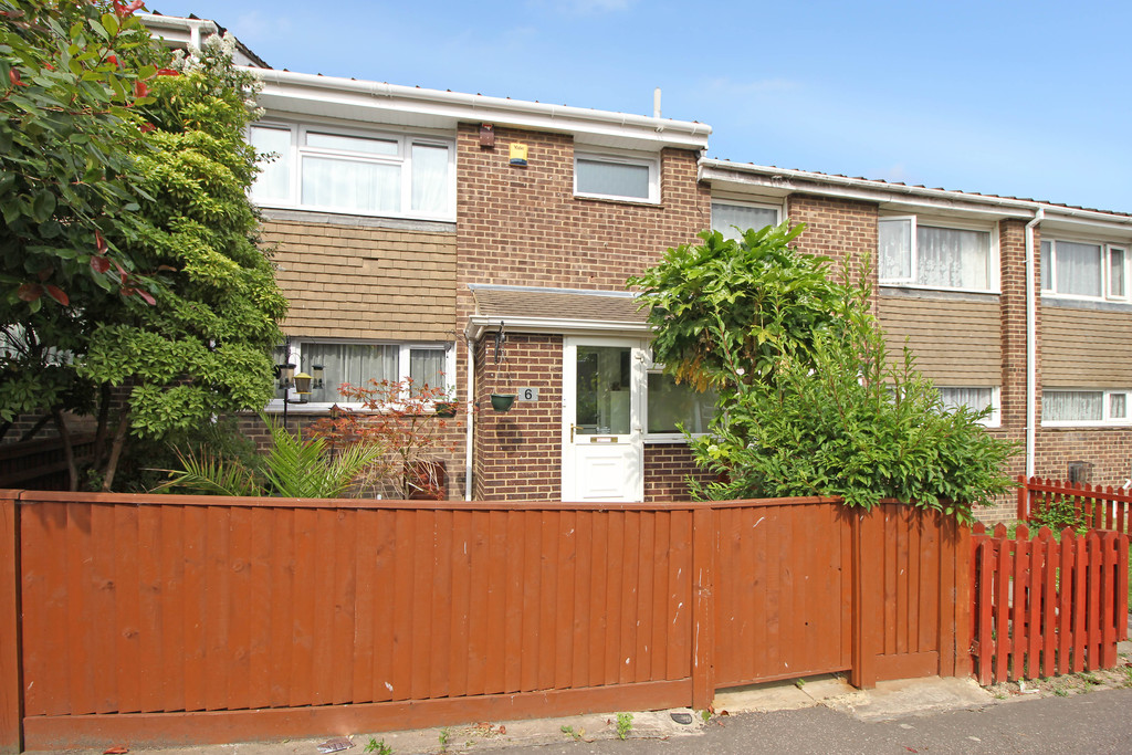3 Bedrooms Terraced House for sale in Broadfield RH11