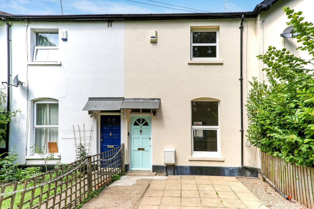 3 Bedrooms Terraced House for sale in Hurst Road, Croydon CR0