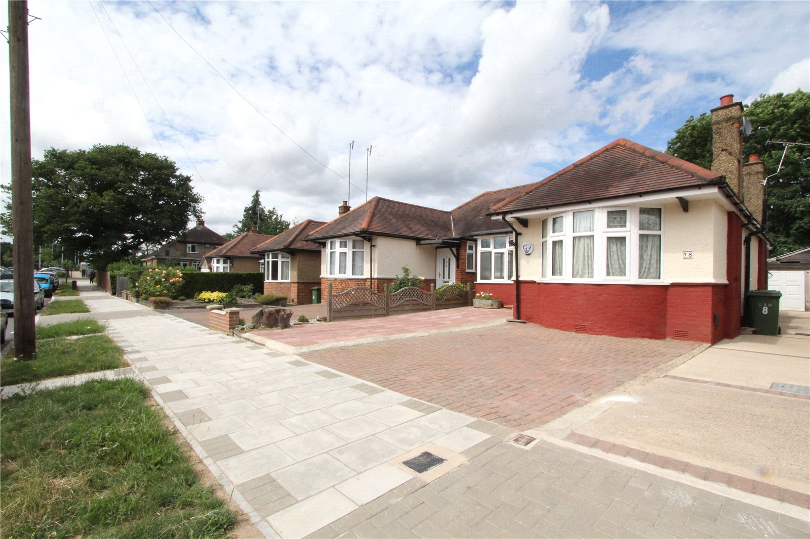 3 Bedrooms Bungalow for sale in Ferring Close Harrow HA2