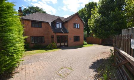 Deerhurst Close Calcot Reading RG31 Image 1