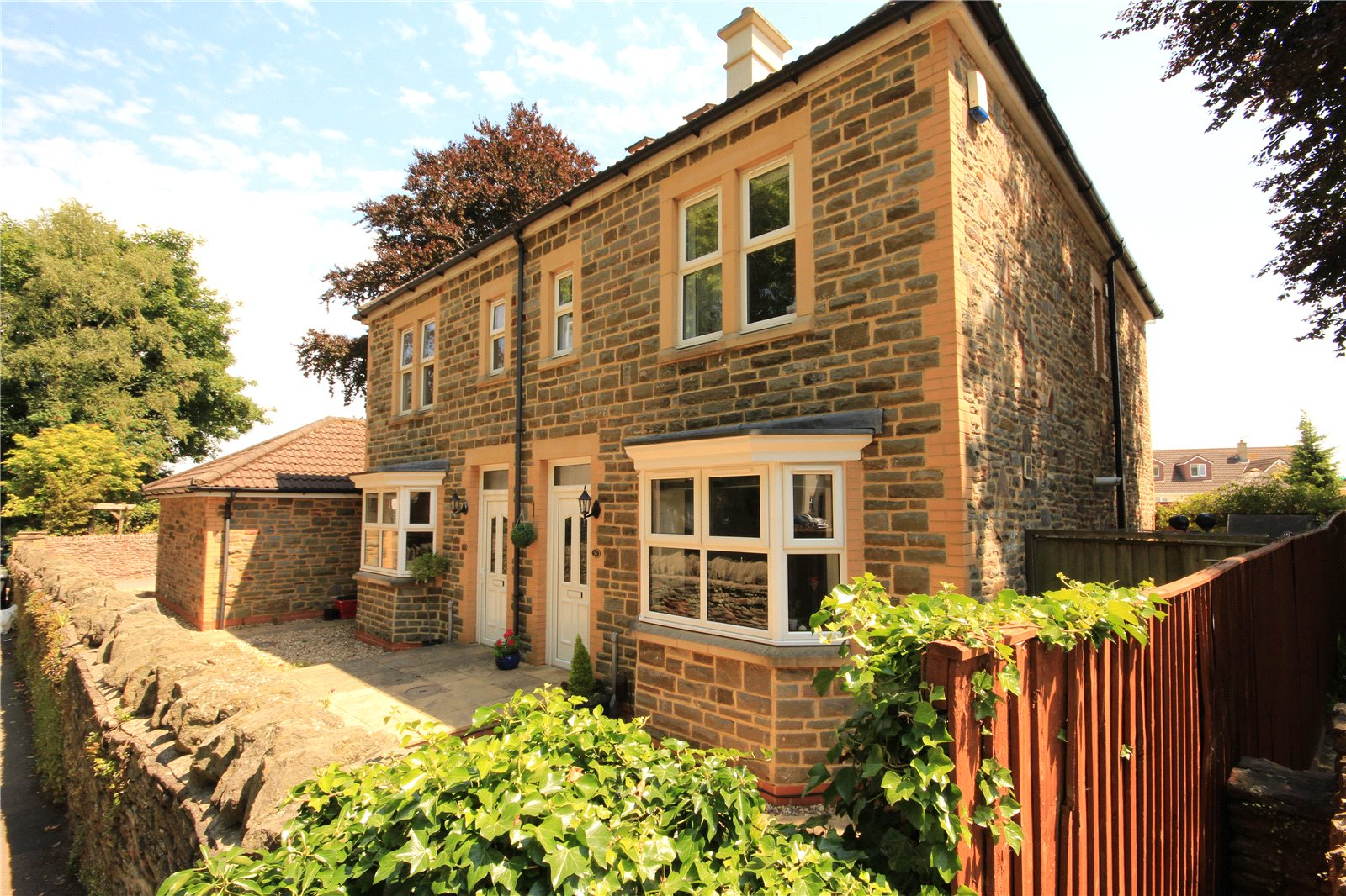 4 Bedrooms Semi Detached House for sale in High Street Winterbourne Bristol BS36