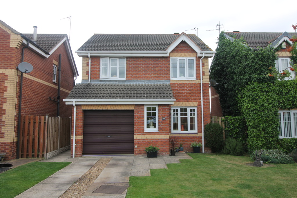 3 Bedrooms Detached House for sale in Sandbeck Court, Rossington DN11