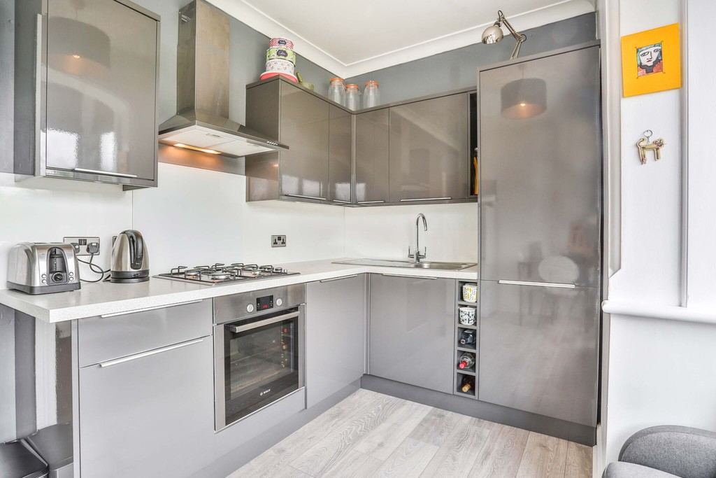 Flat for sale in Park Lane, Wallington SM6