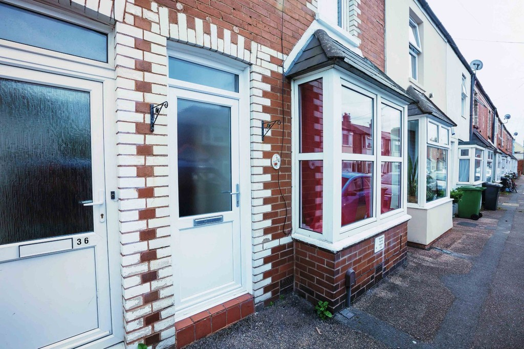 2 Bedrooms Terraced House for sale in Chamberlain Road, St Thomas EX2