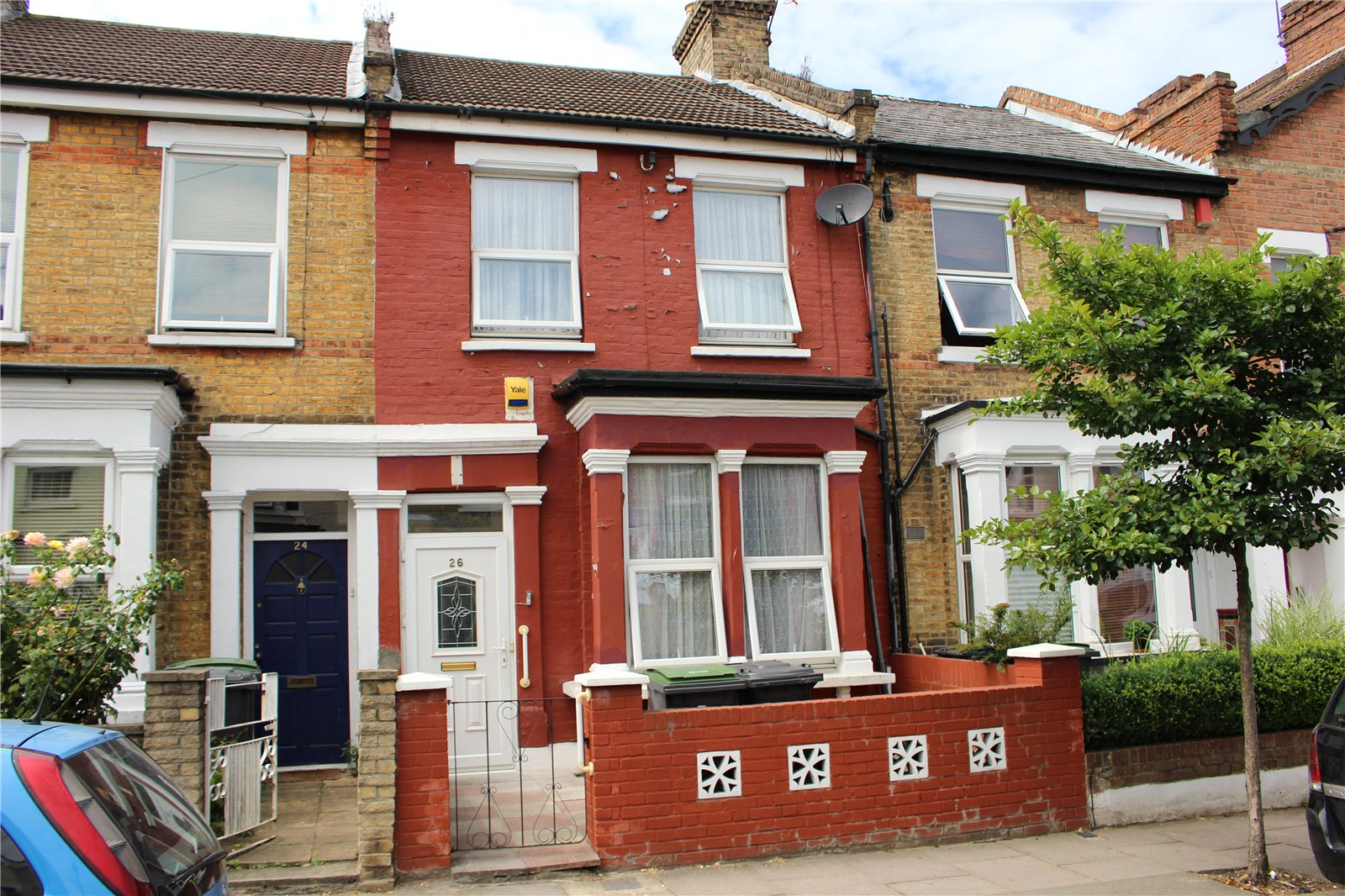 3 Bedrooms Terraced House for sale in Queens Road Bounds Green London N11