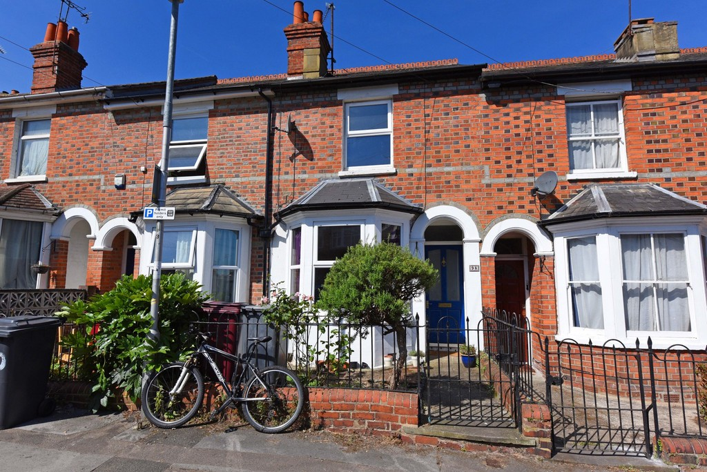 2 Bedrooms Terraced House for sale in Highgrove Street, Reading RG1