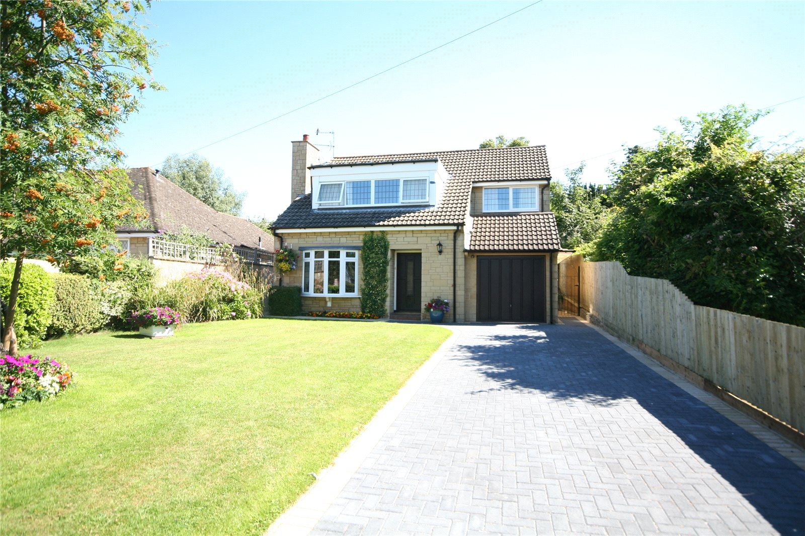 3 Bedrooms Detached House for sale in Charlton Drive Charlton Kings Cheltenham GL53