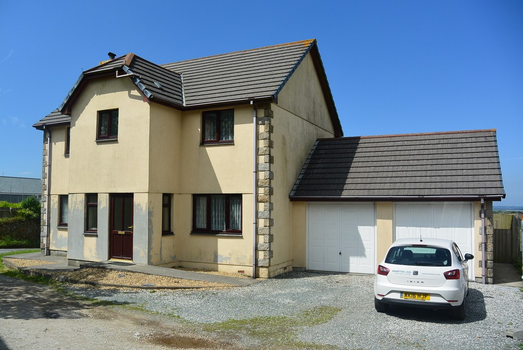 Martin Amp Co Falmouth 4 Bedroom Detached House To Rent In