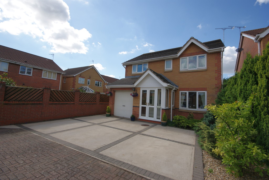 4 Bedrooms Detached House for sale in Bakewell Mews, North Hykeham, Lincoln LN6