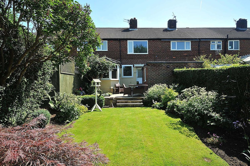 3 Bedrooms Terraced House for sale in Hampson Crescent, Handforth SK9