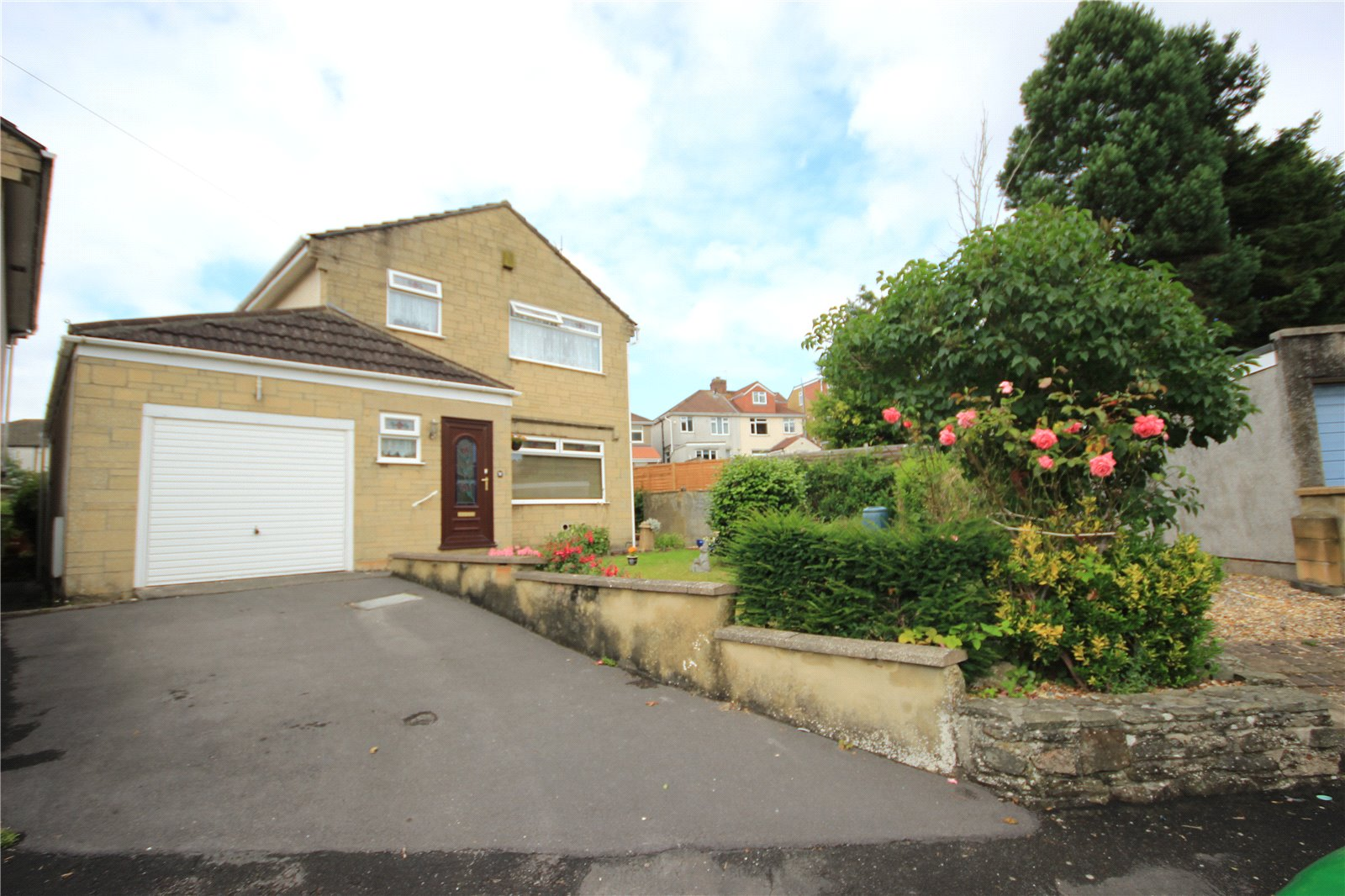 3 Bedrooms Detached House for sale in Kemble Close Hanham Bristol BS15
