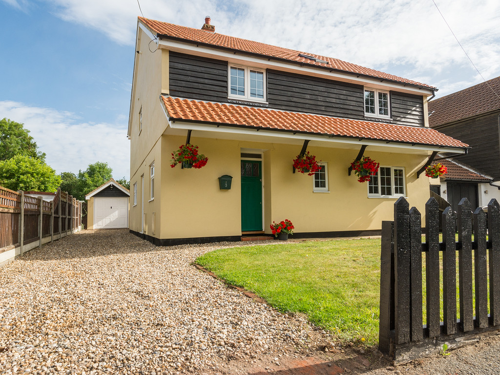 4 Bedrooms Detached House for sale in Wivenhoe Road, Alresford CO7